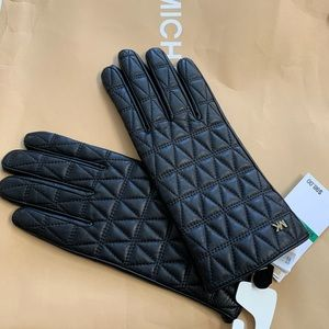New Michael Kors Quilted Genuine Leather Gloves